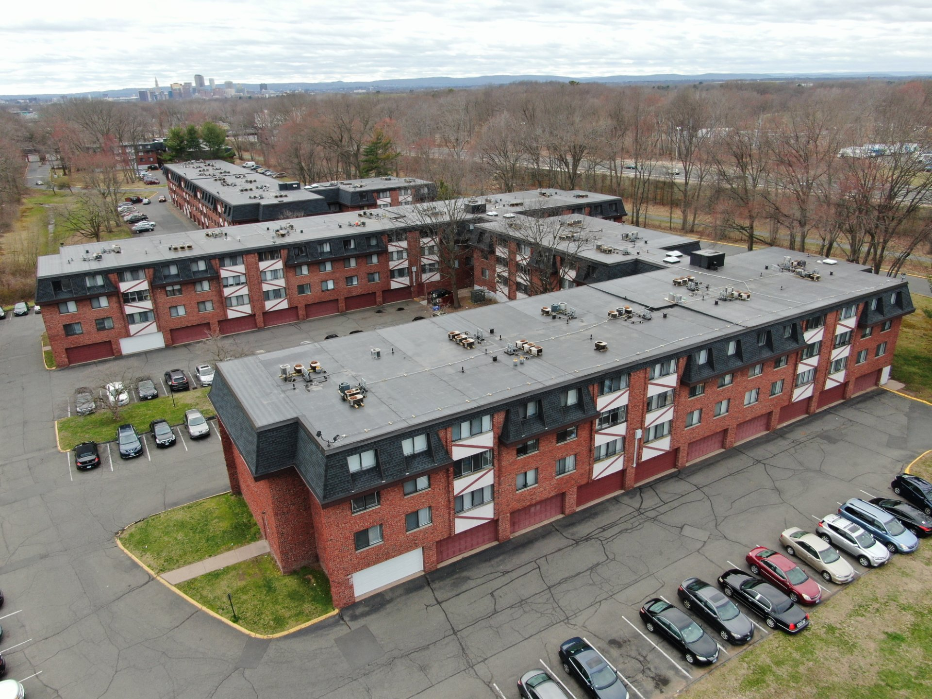 East Hartford, CT Apartment Complex EPDM Roof Replacement